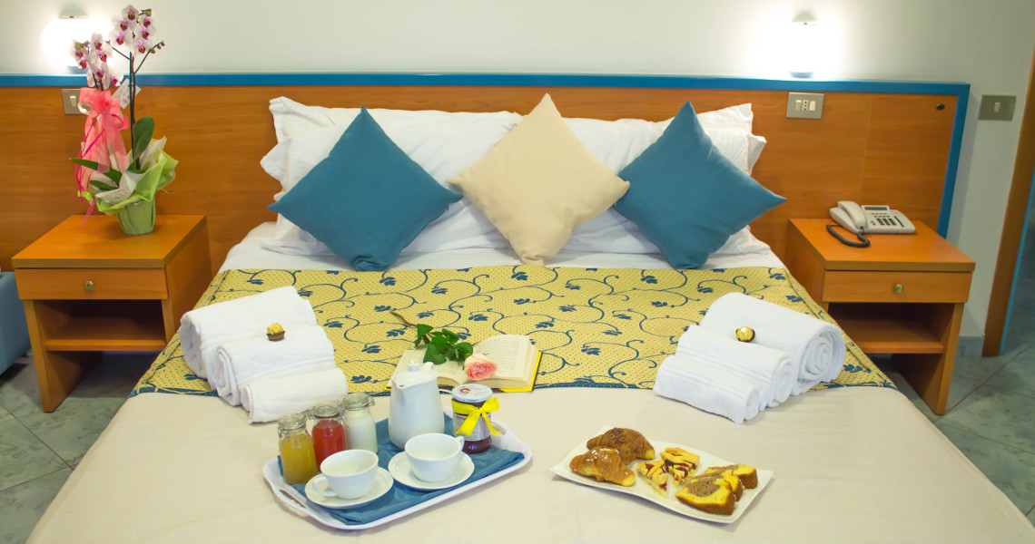 Twin or double room with room service breakfast